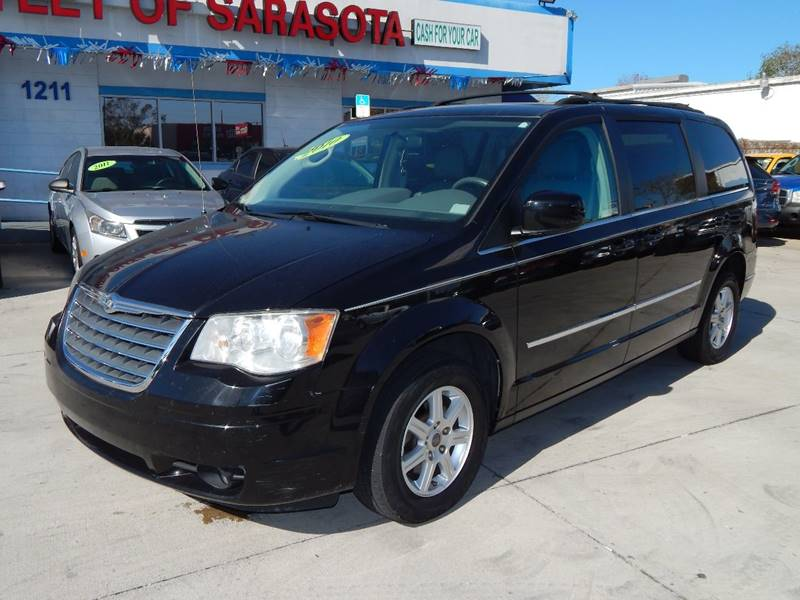 Chrysler Town and Country 2010 Touring 4dr Mini Van