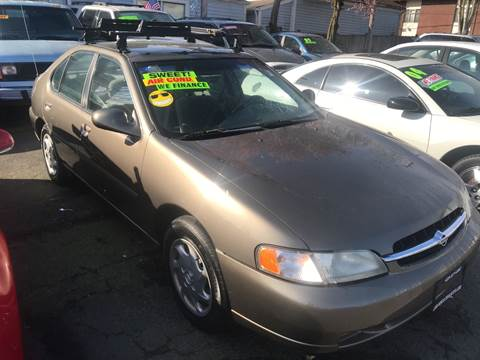 1998 Nissan Altima for sale at American Dream Motors in Everett WA
