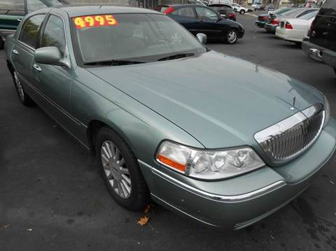2005 Lincoln Town Car for sale in Glenside, PA