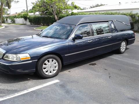 2003 Lincoln Town Car for sale in Deerfield, FL