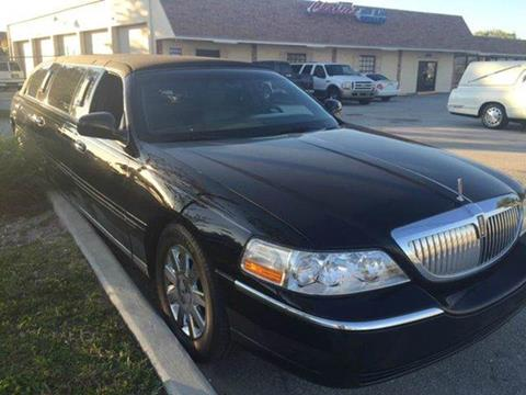 2006 Lincoln Town Car for sale at LAND & SEA BROKERS INC in Deerfield FL