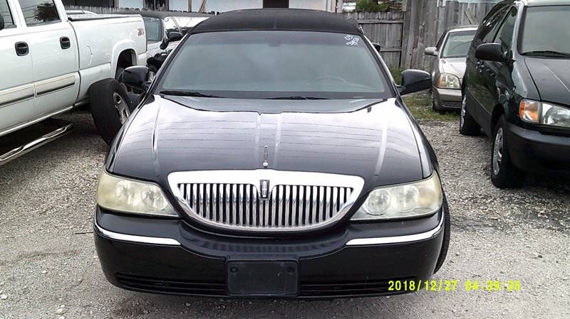 2003 Lincoln Town Car Executive 4dr Sedan W Limousine Builder
