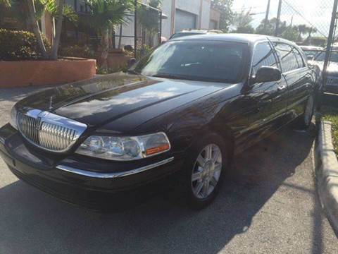 2008 Lincoln Town Car for sale in Deerfield, FL