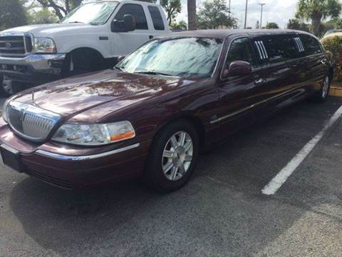 2010 Lincoln Town Car for sale in Deerfield, FL