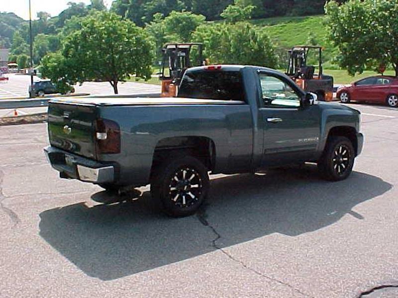 2008 Chevrolet Silverado 1500 2WD Work Truck 2dr Regular Cab 8 ft. LB - Pittsburgh PA