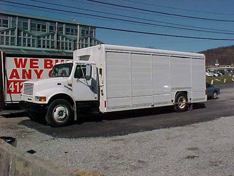 1998 International 4900 for sale in Pittsburgh, PA