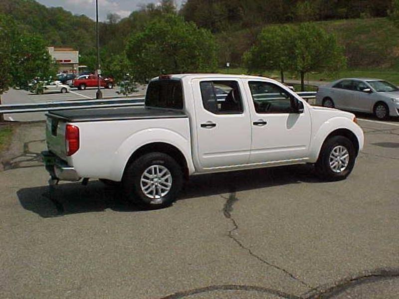 2016 Nissan Frontier 4x4 SL 4dr Crew Cab 5 ft. SB Pickup 5A - Pittsburgh PA