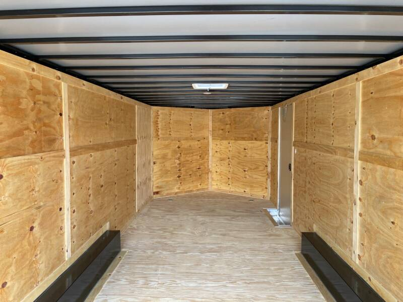 2021 Freedom 8.5 x 20 Tandem Axle Enclosed  9,990 lb Package - Maryville TN