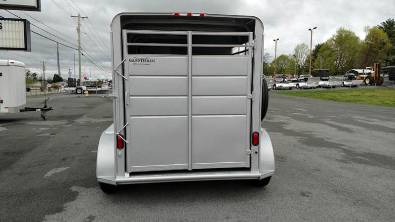2017 Calico 2 Horse Slant Rubber Package with Pads - Maryville TN