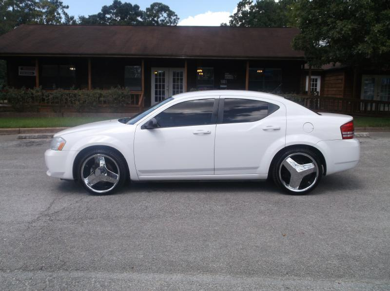 2010 Dodge Avenger for sale at Victory Motor Company in Conroe TX