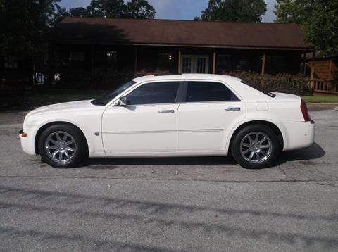 2005 Chrysler 300 for sale at Victory Motor Company in Conroe TX
