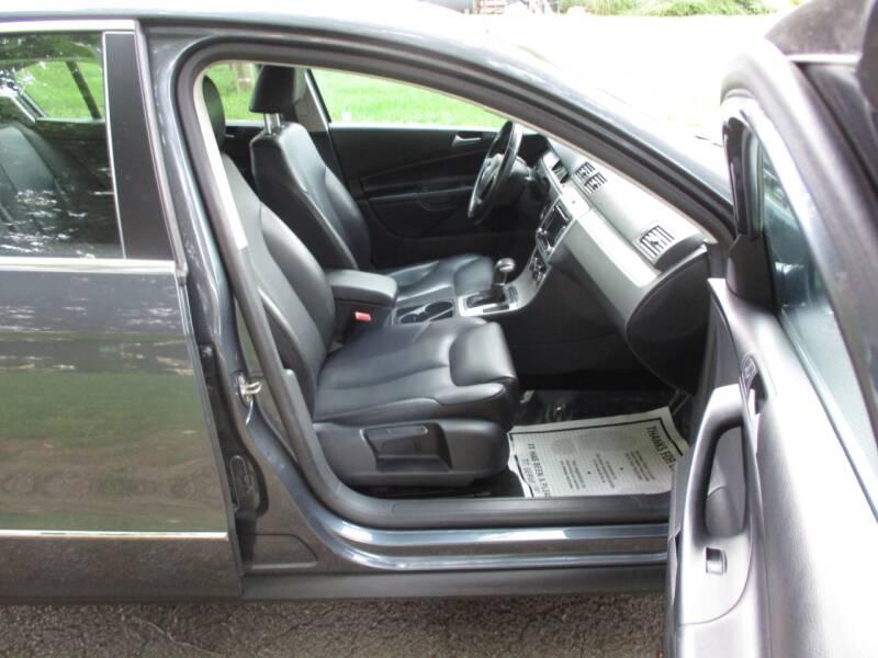 2010 Volkswagen Passat Komfort 4dr Sedan - Leesburg VA