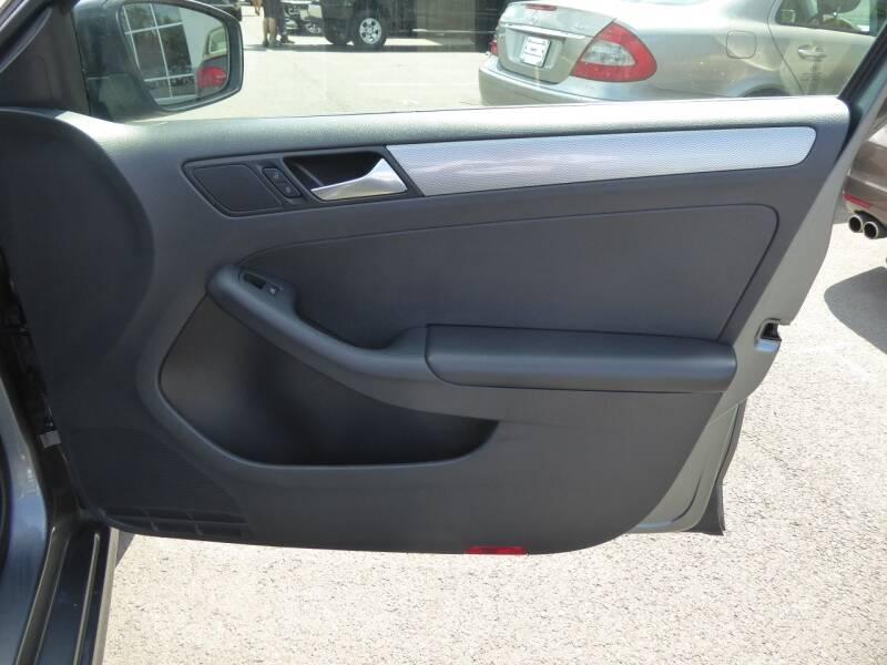 2015 Volkswagen Jetta SE PZEV 4dr Sedan 6A - Chantilly VA