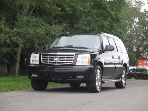 2005 Cadillac Escalade ESV for sale at Loudoun Used Cars in Leesburg VA