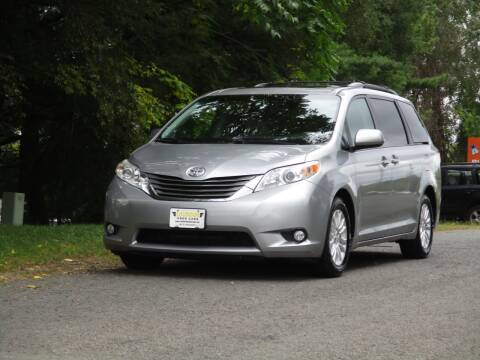 2013 Toyota Sienna for sale at Loudoun Used Cars in Leesburg VA