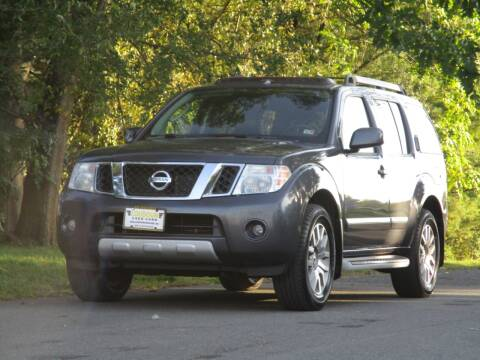 2011 Nissan Pathfinder for sale at Loudoun Used Cars in Leesburg VA