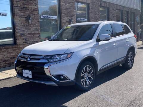 2017 Mitsubishi Outlander for sale at The King of Credit in Clifton Park NY