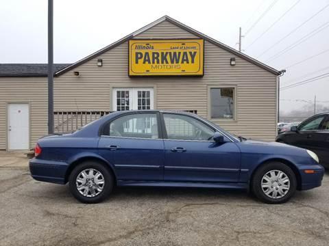 2004 Hyundai Sonata for sale at Parkway Motors in Springfield IL