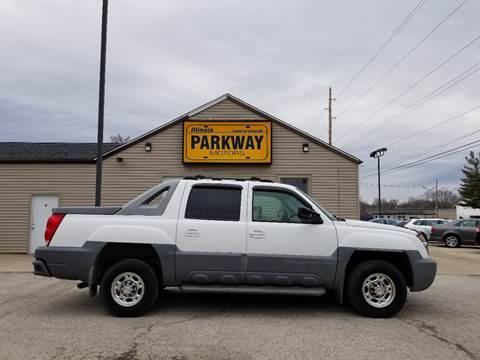 2002 Chevrolet Avalanche for sale at Parkway Motors in Springfield IL
