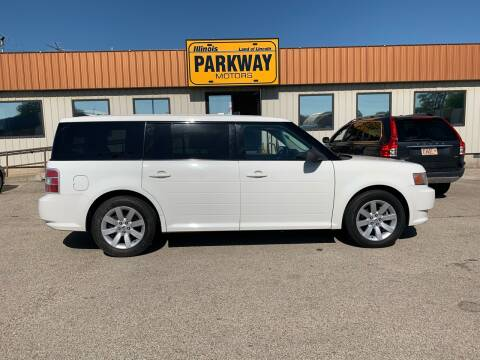 2009 Ford Flex for sale at Parkway Motors in Springfield IL