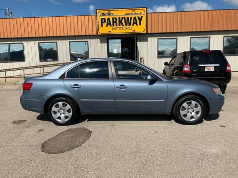2009 Hyundai Sonata for sale at Parkway Motors in Springfield IL
