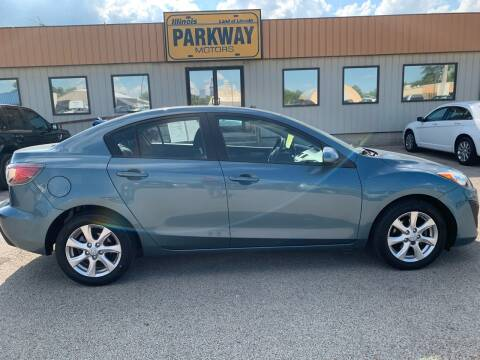 2011 Mazda MAZDA3 for sale at Parkway Motors in Springfield IL