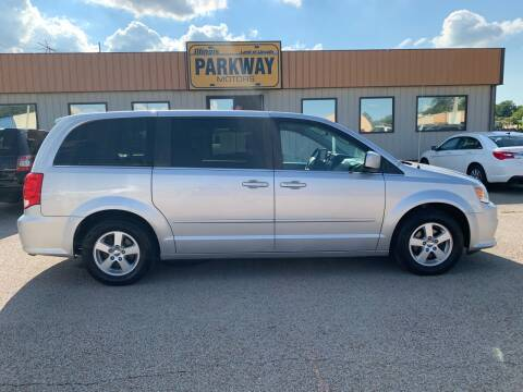 2012 Dodge Grand Caravan for sale at Parkway Motors in Springfield IL