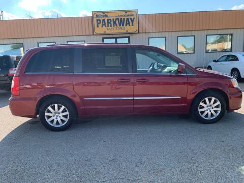 2013 Chrysler Town and Country for sale at Parkway Motors in Springfield IL