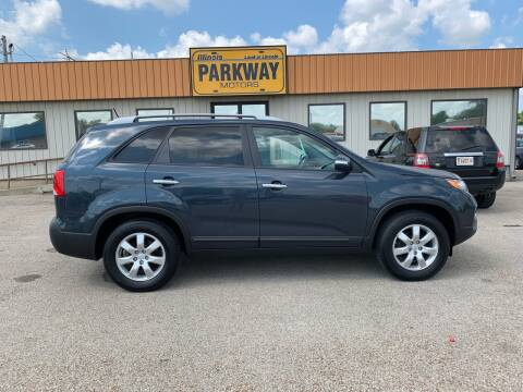 2011 Kia Sorento for sale at Parkway Motors in Springfield IL
