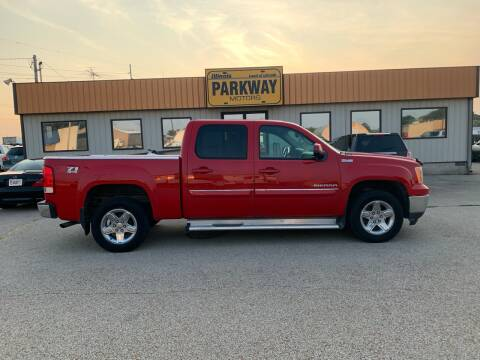 2011 GMC Sierra 1500 for sale at Parkway Motors in Springfield IL