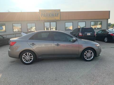 2012 Kia Forte for sale at Parkway Motors in Springfield IL