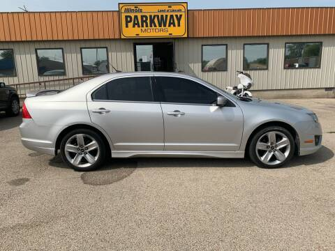 2011 Ford Fusion for sale at Parkway Motors in Springfield IL