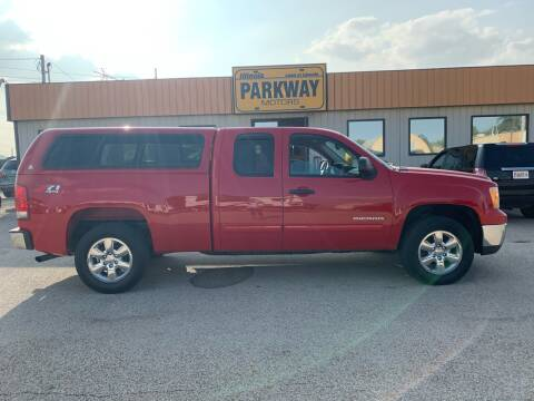 2013 GMC Sierra 1500 for sale at Parkway Motors in Springfield IL