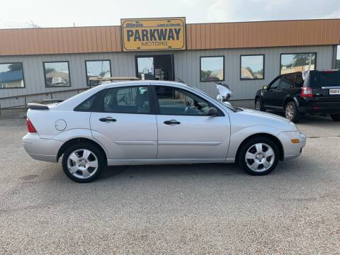 2006 Ford Focus for sale at Parkway Motors in Springfield IL
