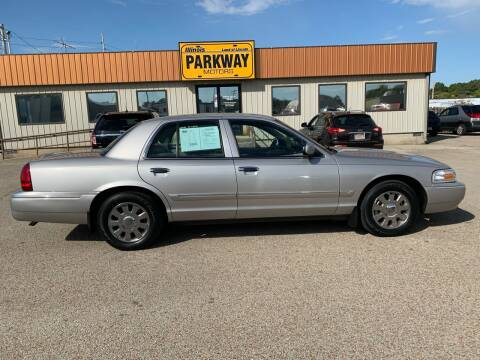 2006 Mercury Grand Marquis for sale at Parkway Motors in Springfield IL