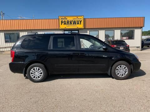 2014 Kia Sedona for sale at Parkway Motors in Springfield IL