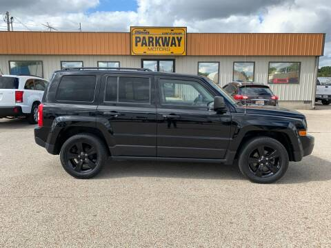 2015 Jeep Patriot for sale at Parkway Motors in Springfield IL