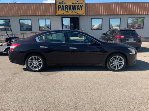 2011 Nissan Maxima for sale at Parkway Motors in Springfield IL