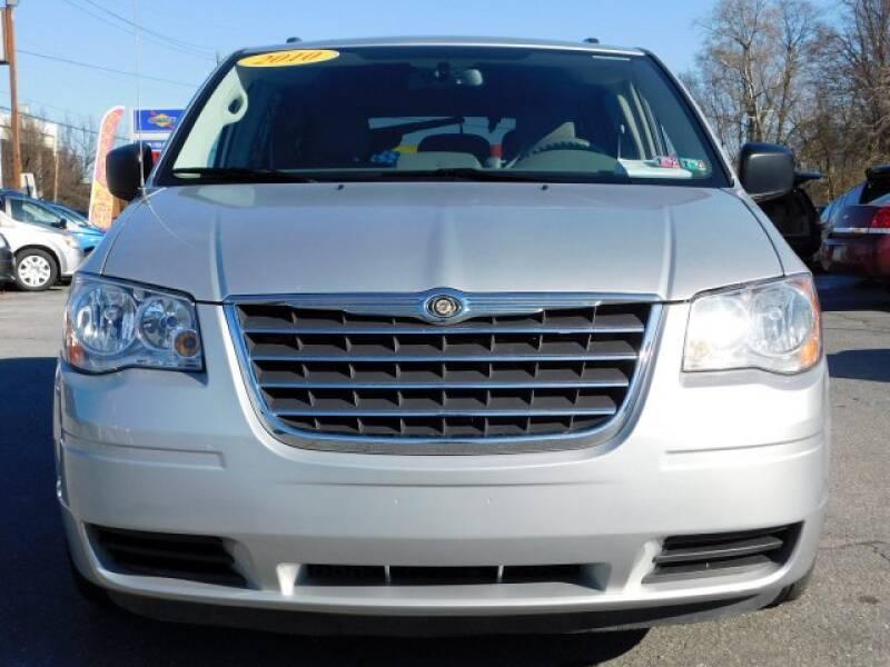 2010 Chrysler Town and Country LX 4dr Mini-Van w/25B - Columbia PA