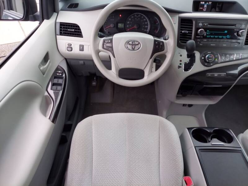 2014 Toyota Sienna LE - Columbia PA