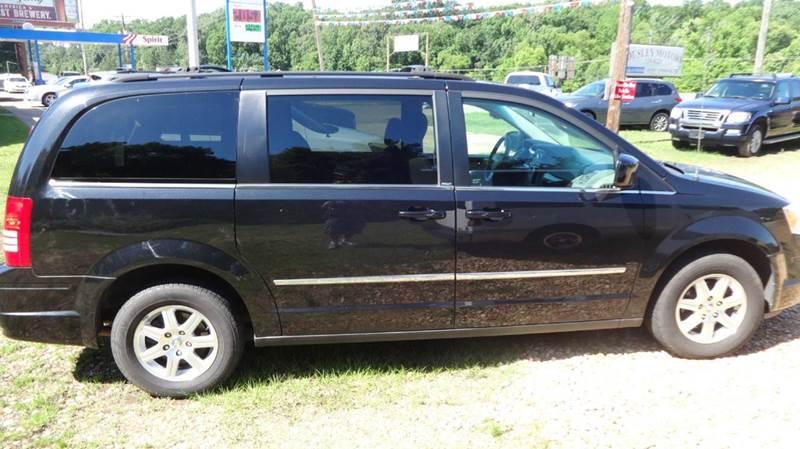 2010 Chrysler Town and Country Touring 4dr Mini-Van - Columbus MS