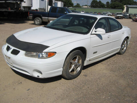 2000 Pontiac Grand Prix for sale at Jim & Ron's Auto Sales in Sioux Falls SD