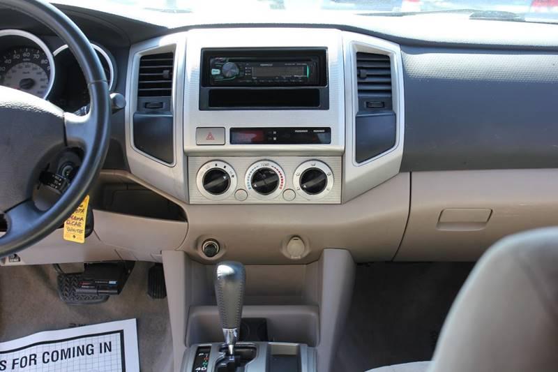 2006 Toyota Tacoma PreRunner V6 4dr Double Cab LB (4L V6 5A) - St. Charles MO