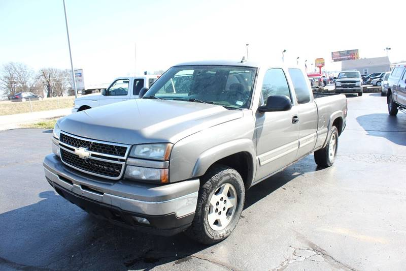 2007 Chevrolet Silverado 1500 Classic LT1 4dr Extended Cab 4WD 5.8 ft. SB - St. Charles MO