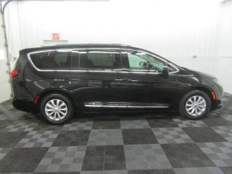 2019 Chrysler Pacifica for sale at Michigan Credit Kings in South Haven MI