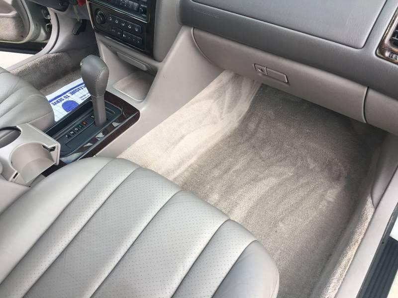 1999 Toyota Avalon XLS 4dr Sedan - Cleveland OH
