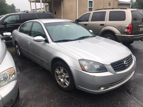 2005 Nissan Altima for sale at GALANTE AUTO SALES LLC in Aston PA