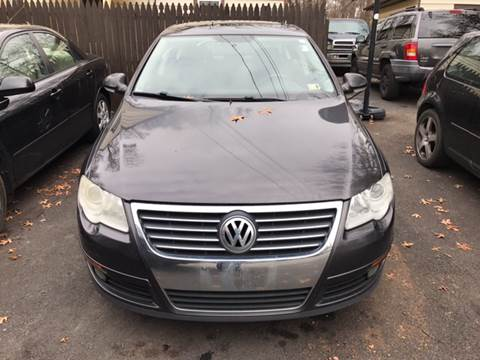 2007 Volkswagen Passat for sale at GALANTE AUTO SALES LLC in Aston PA