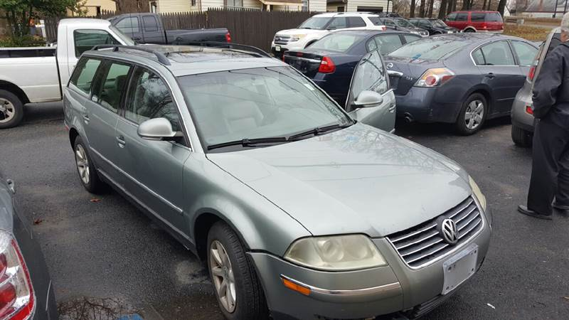 2004 Volkswagen Passat for sale at GALANTE AUTO SALES LLC in Aston PA