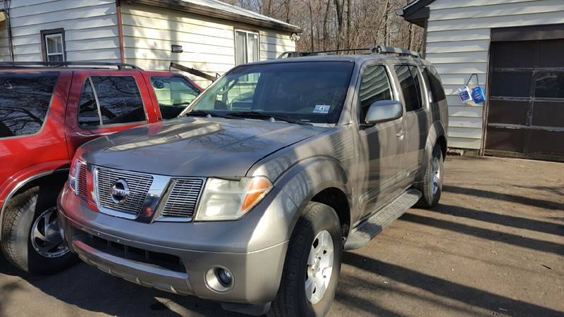2005 Nissan Pathfinder for sale at GALANTE AUTO SALES LLC in Aston PA